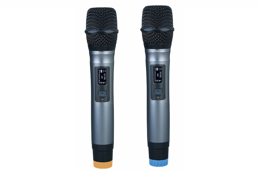 Studiomaster W2 wireless microphone set 3